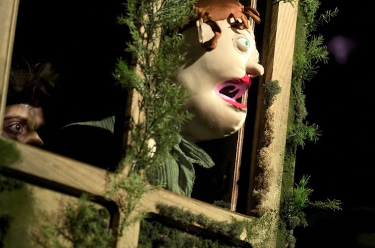 Wakka Wakka - The Death of Little Ibsen - Else in Window