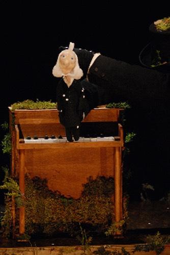 Wakka Wakka - The Death of Little Ibsen - Mini on Piano